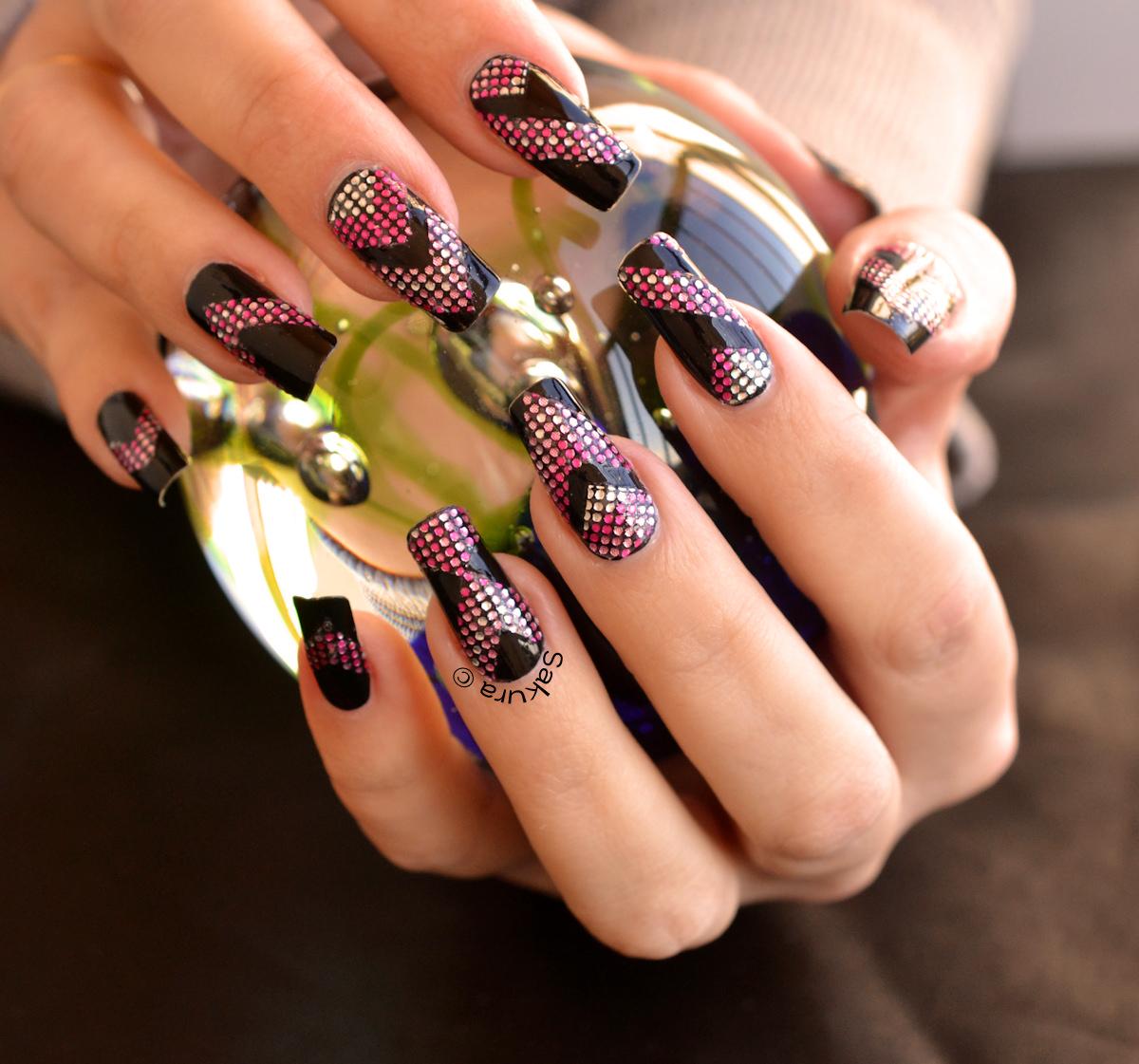 Роспись на черных ногтях фото